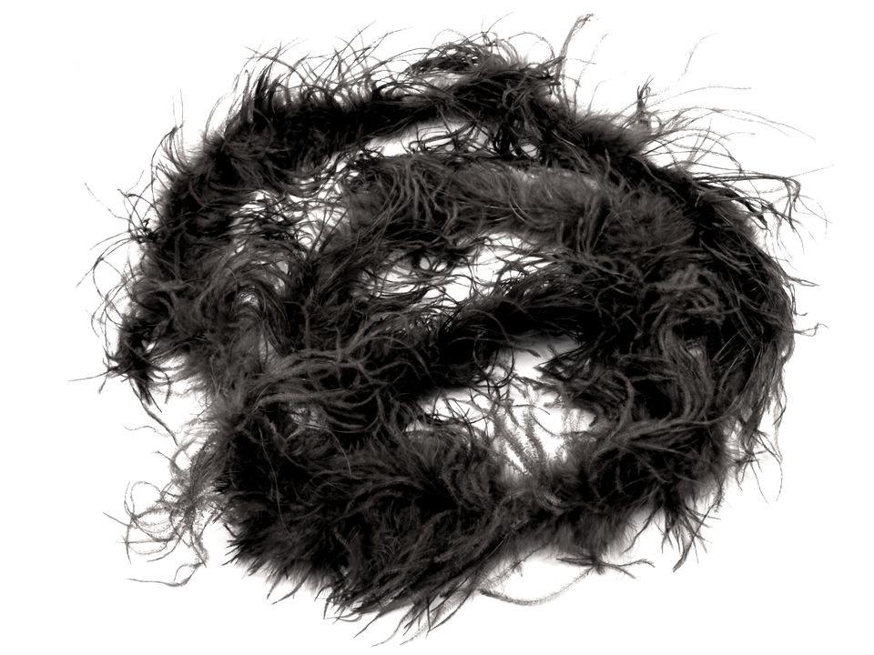Boa - pštrosí černé 2 vrstvy