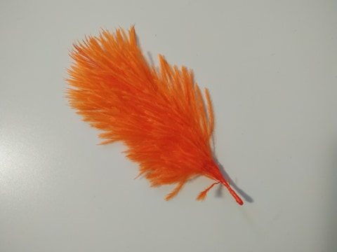 Pštrosí peří oranžové 5 - 12 cm