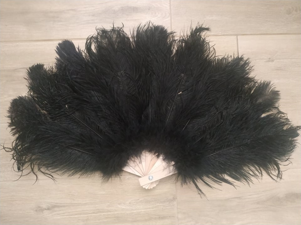 Vějíř pštrosí velký černý - 2. jakost